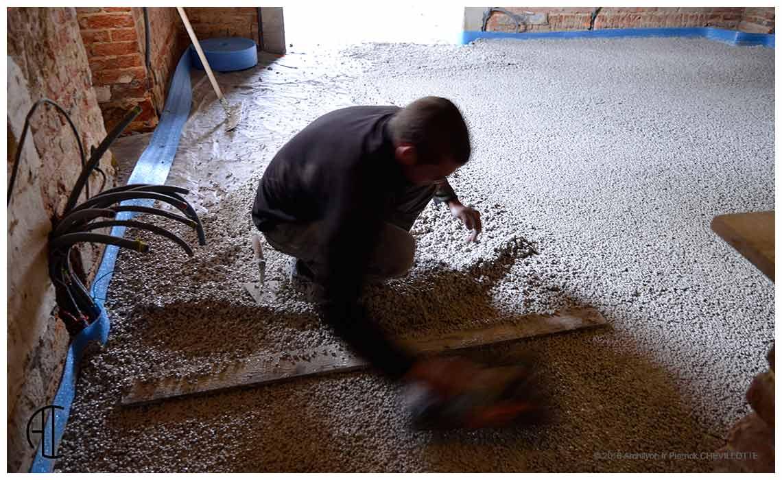 Le pis et l humidit autopsie d une r novation en bresse for Soubassement d une maison