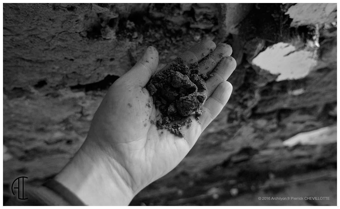 le pisé et l'humidité: autopsie d'une rénovation en bresse - Comment Reparer Un Mur Interieur Humide