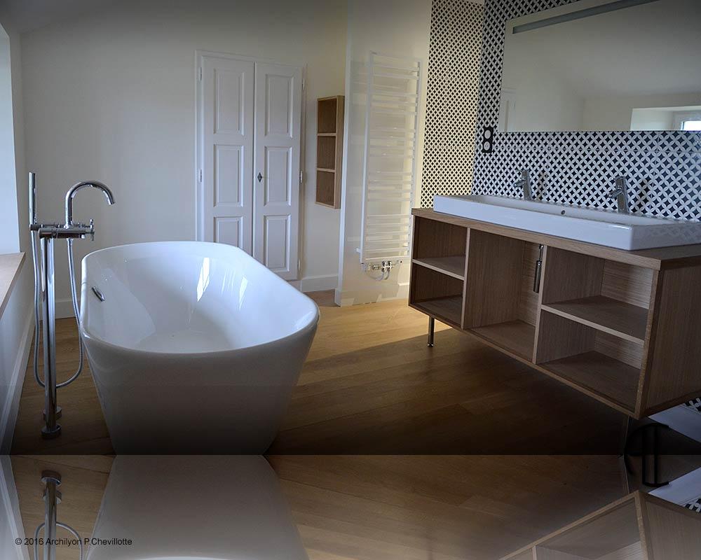 Visite priv e d une long re bourg en bresse for Salle de bain bourg en bresse