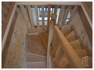 http://www.archilyon.fr/uploads/images/imRef/escalier-sur-mesure.jpg