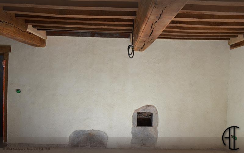 Correction Thermique De La Maison Ancienne. Enduit De Finition à La Chaux  Aérienne